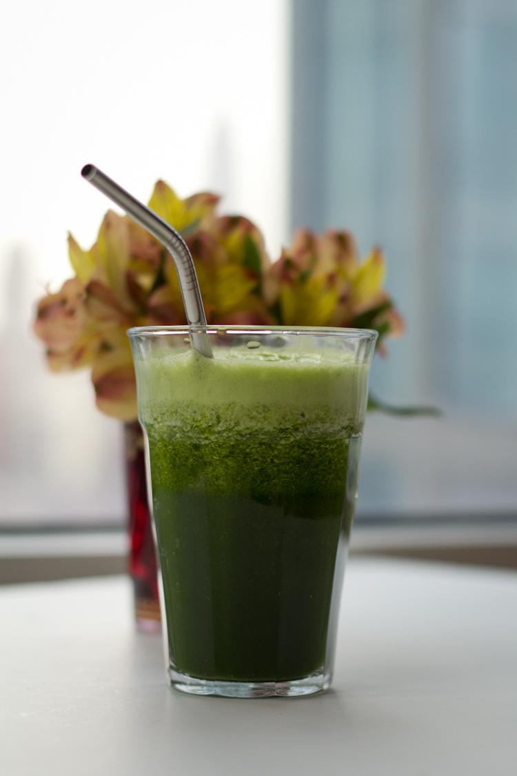 Detoxifying green lemonade hitha on the go detoxifying green lemonade malvernweather Choice Image